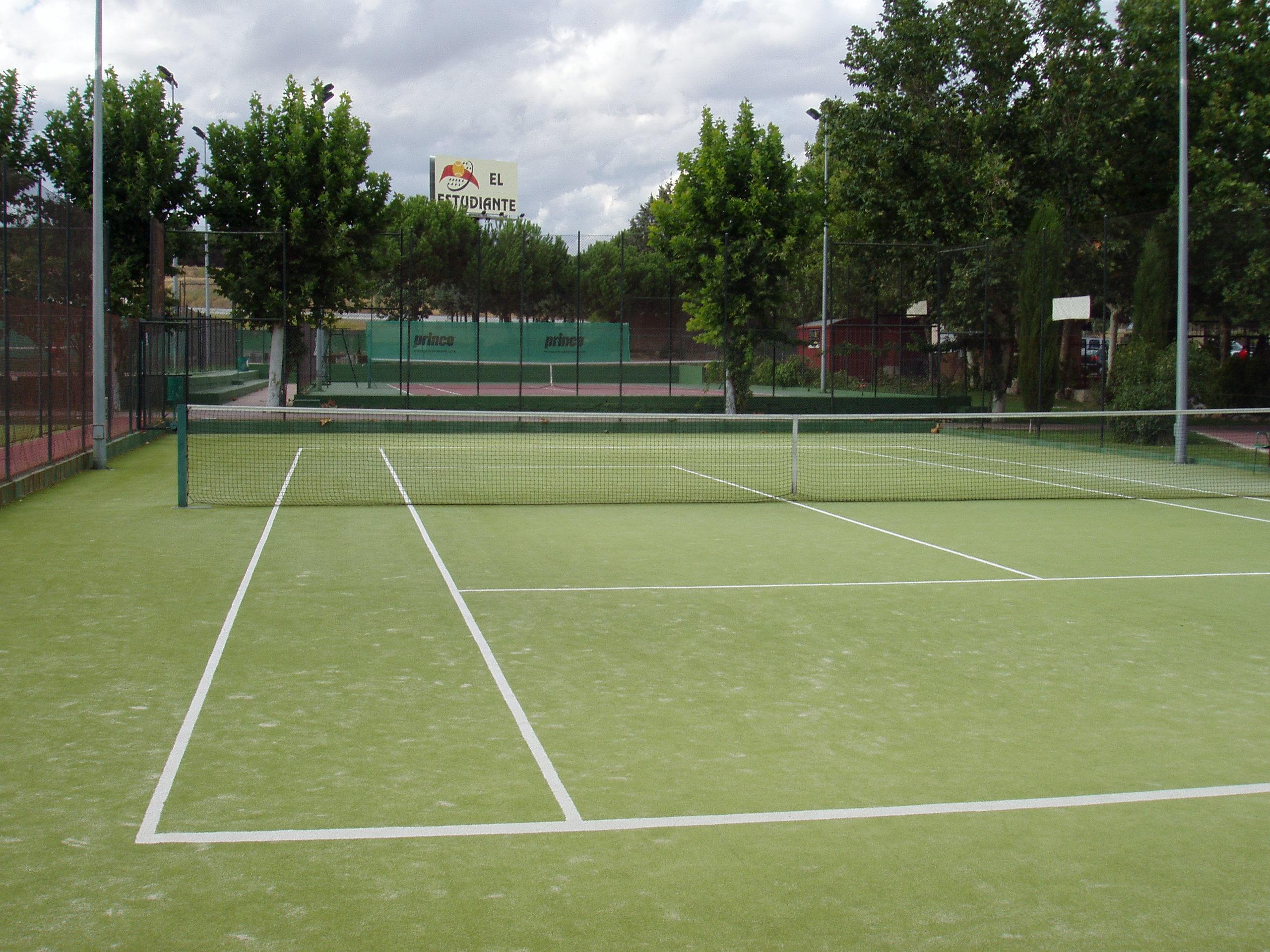 instalaciones11-tenis-hierba@2x